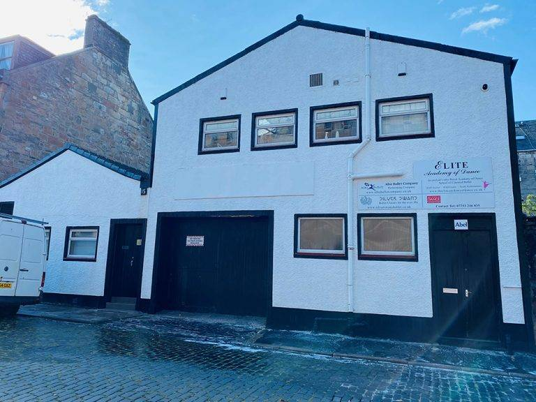 exterior building cleaning service in Inverclyde